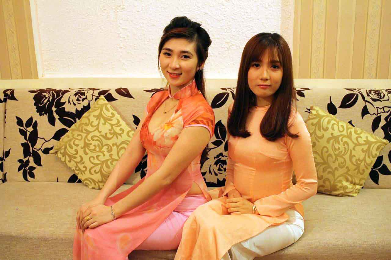 アオザイ美女2人の写真