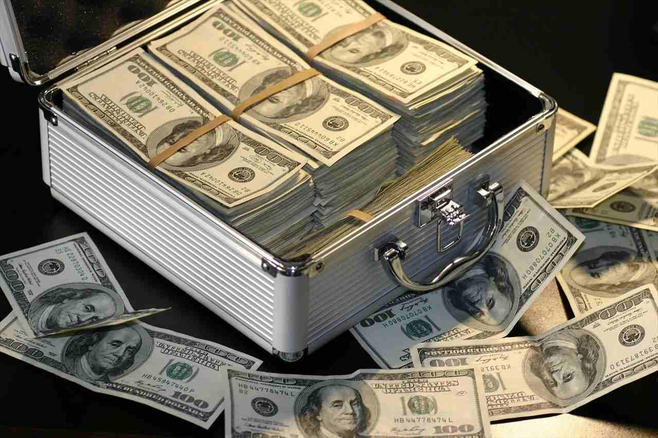 お金持ちはやはりもてる