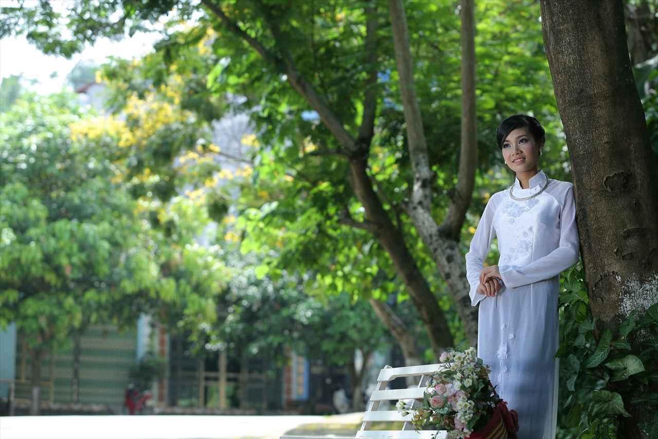 アオザイ女性の写真