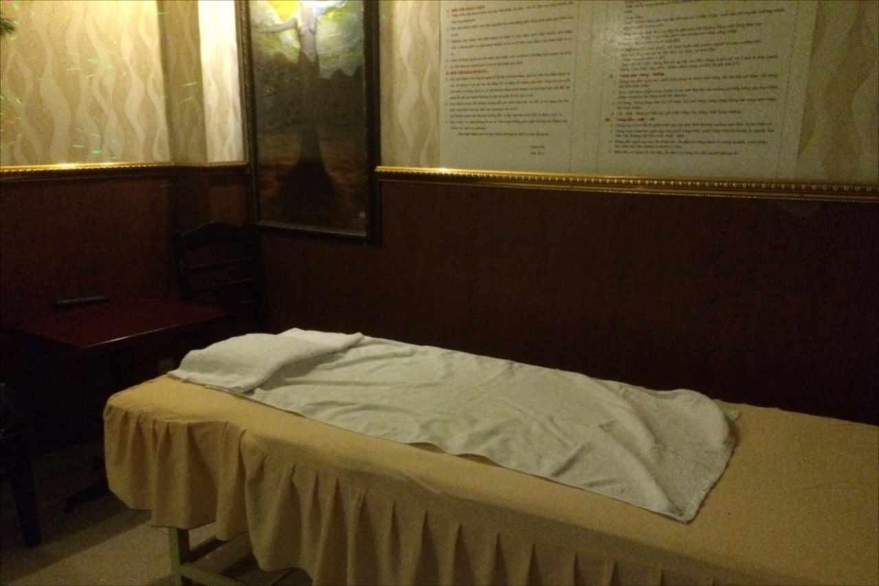 寂れた置屋のベッド