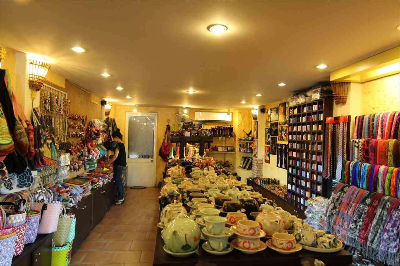 ホーチミンの雑貨店の写真